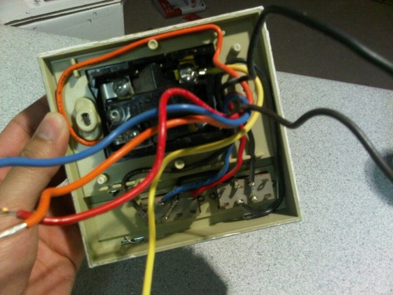 Replacing old Honeywell thermostat with new Honeywell thermostat-img00394-20110413-2206.jpg