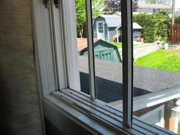 Old slider windows - time for upgrade ?-img_0015.jpg