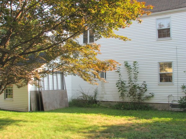 Garage siding too low (at grade), plus drainage problem-img_0021-2.jpg