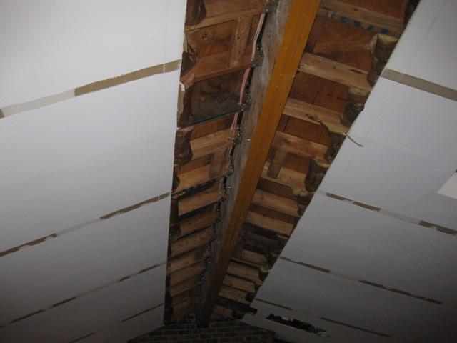 ventilation baffles in cathedral ceiling-img_0053b.jpg