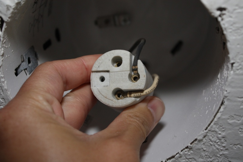 How to replace socket in recessed housing electrical diy img0068g how to replace socket in recessed housing img0072g aloadofball Image collections