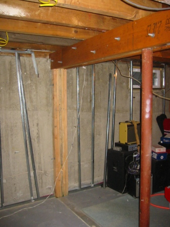 Remove basement lally column building construction for Where to buy columns for house