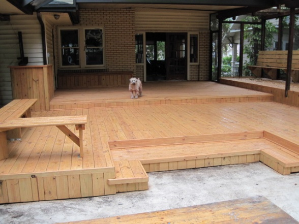 Built-in deck bench-img_0105.jpg