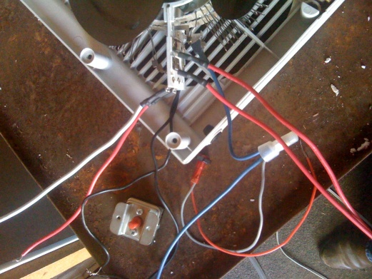 Need help with wiring please???-img_0139.jpg