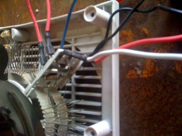 Need help with wiring please???-img_0141.jpg