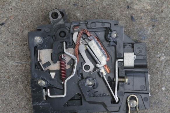 does a household circuit breaker have thermal memory?-img_0165.jpg
