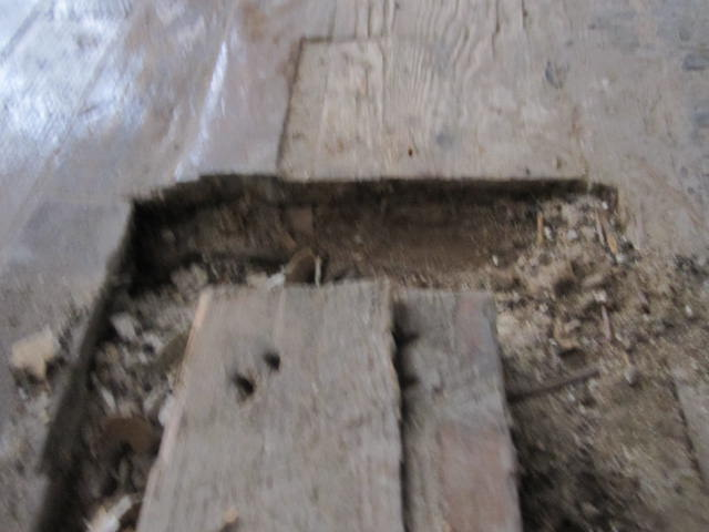 cover floor space where old wall was-img_0205.jpg