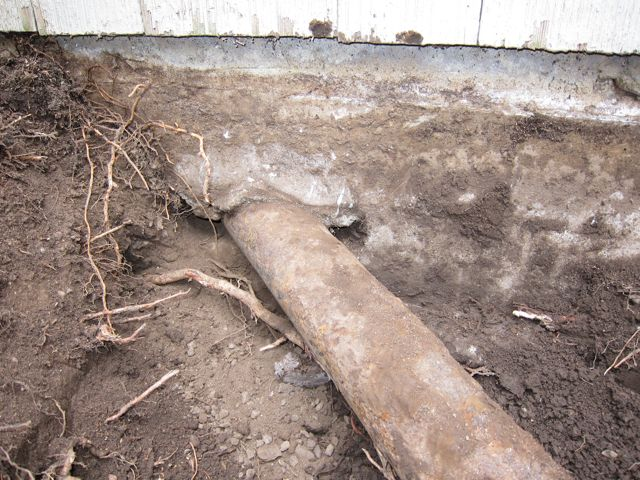 removing iron drain from foundation-img_0261.jpg