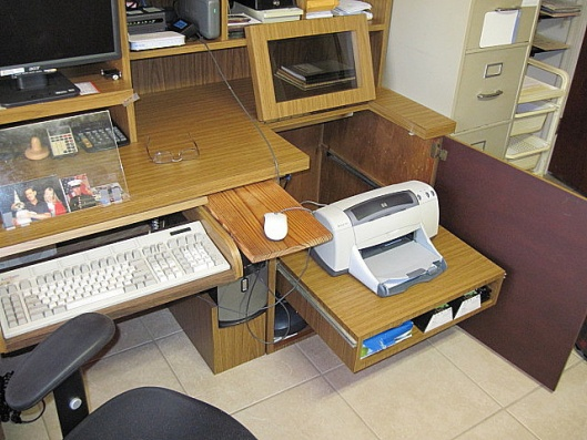 Floating Desk - ideas/thoughts?-img_0297.jpg