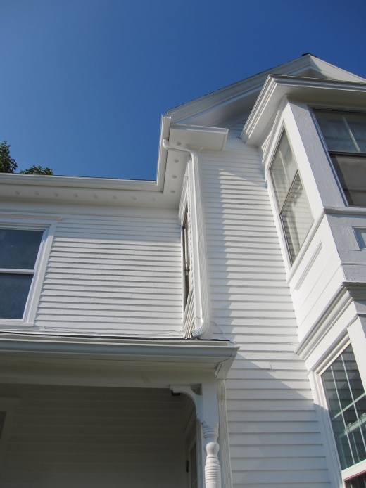 Downspout onto Asphalt Shingles?-img_0319.jpg