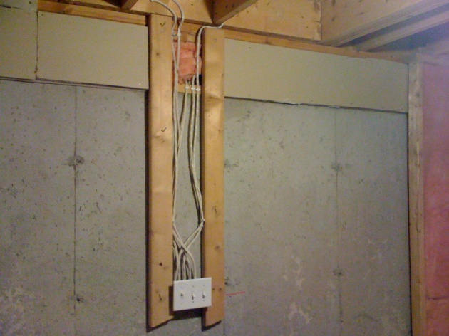 Rough in Outlet Support Wood-img_0326.jpg
