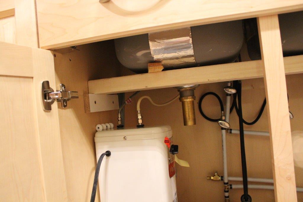 under counter sink installation-img_0370.jpg