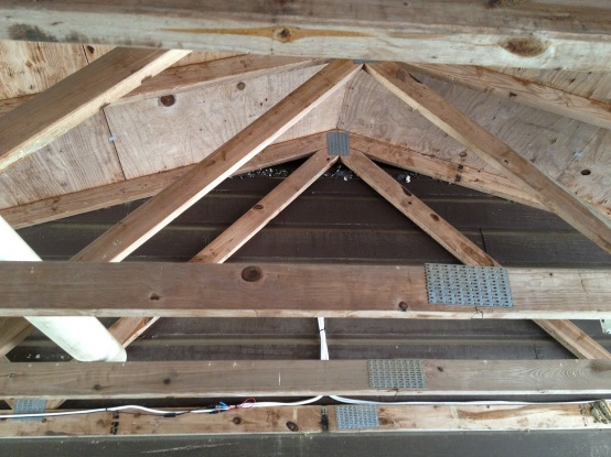 Need help with attic venting on old house-img_0373.jpg