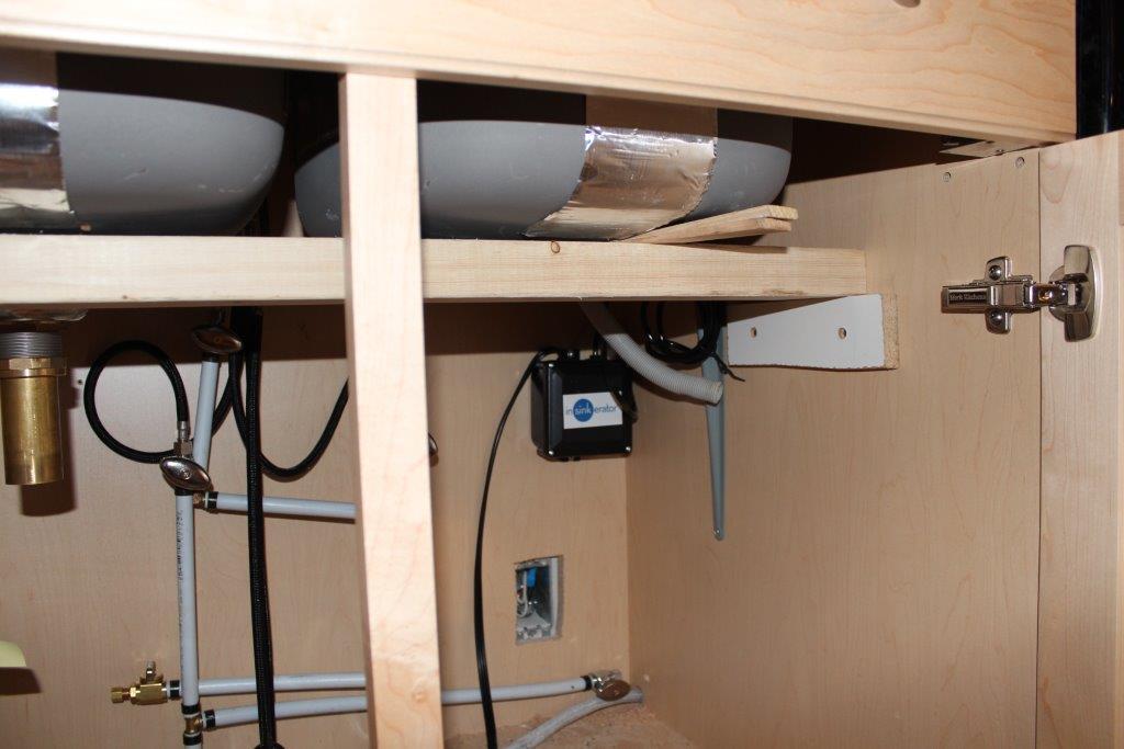 under counter sink installation-img_0373.jpg