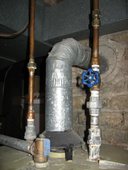 Water connections for new water heater-img_0395_a.jpg