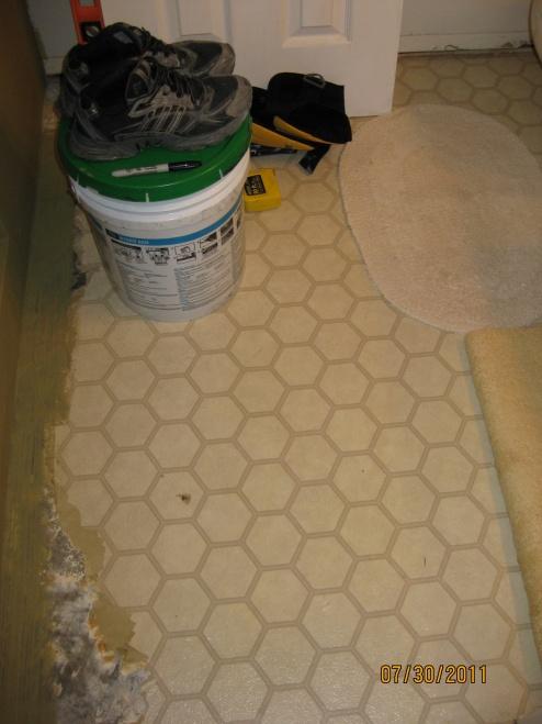 Tile over vinyl Floor??-img_0415.jpg