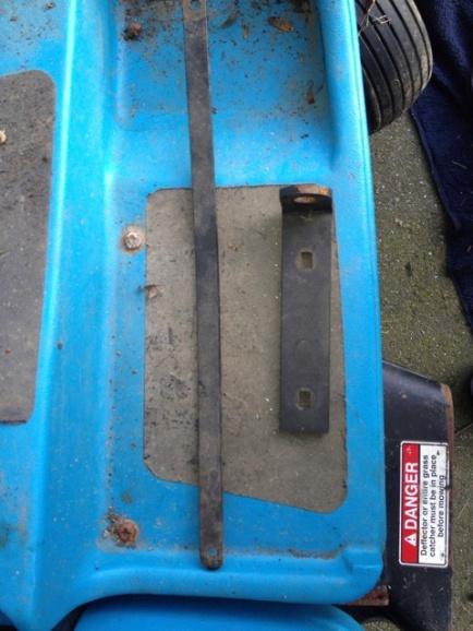 HELP!!! Dixon 4423, 2001 ZTR mower-img_0427_2.jpg