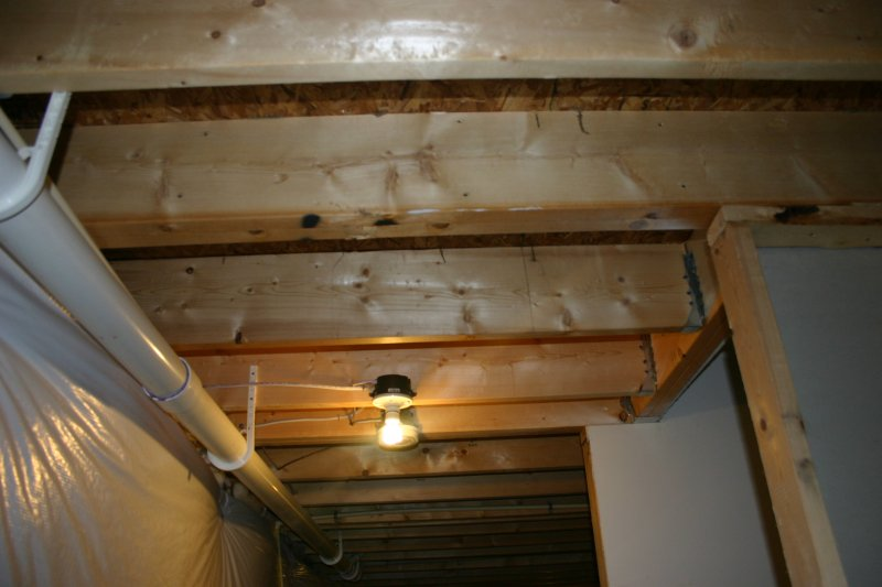 Basement stair wall load bearing? (pictures)-img_0458.jpg