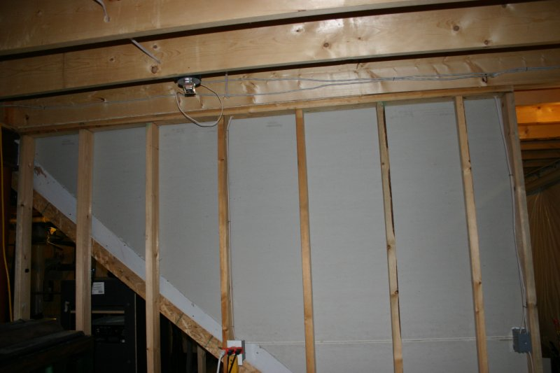 Basement stair wall load bearing? (pictures)-img_0459.jpg