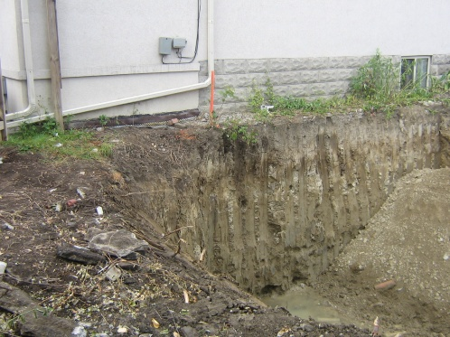Why does this contractor need to know where my footings are?-img_0463.jpg