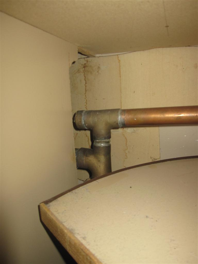 simple question regarding kitchen sink drain-img_0665-medium-.jpg