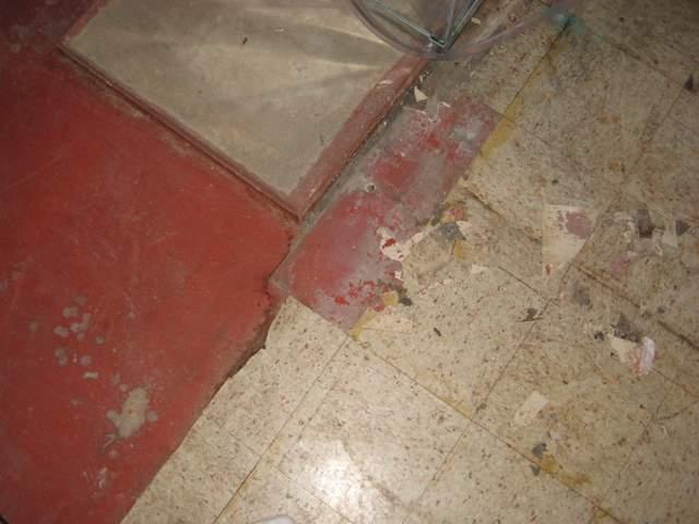 removing old basement tiles, no vis glue holding down??-img_0707.jpg