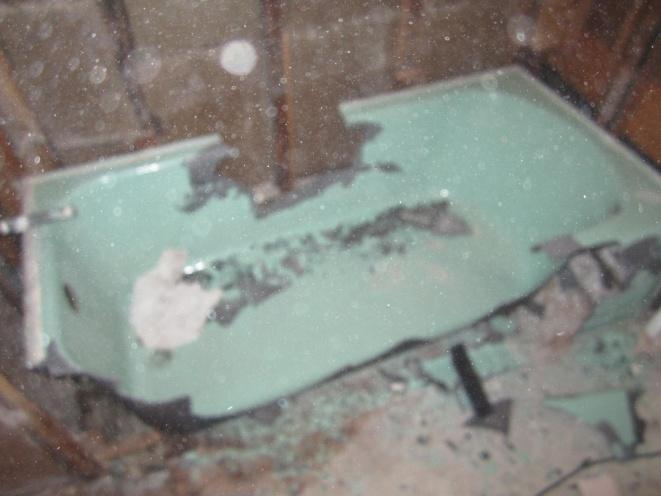 breaking a cast iron tub?-img_0738.jpg