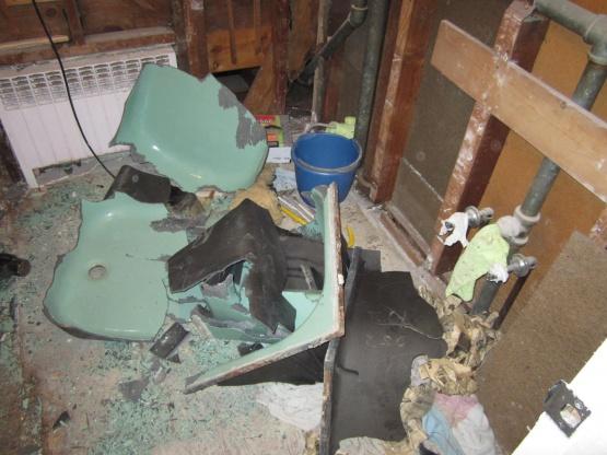 breaking a cast iron tub?-img_0740.jpg