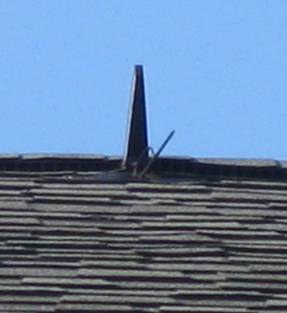 What is this thing on the roofs in my neighborhood-img_0746.jpg