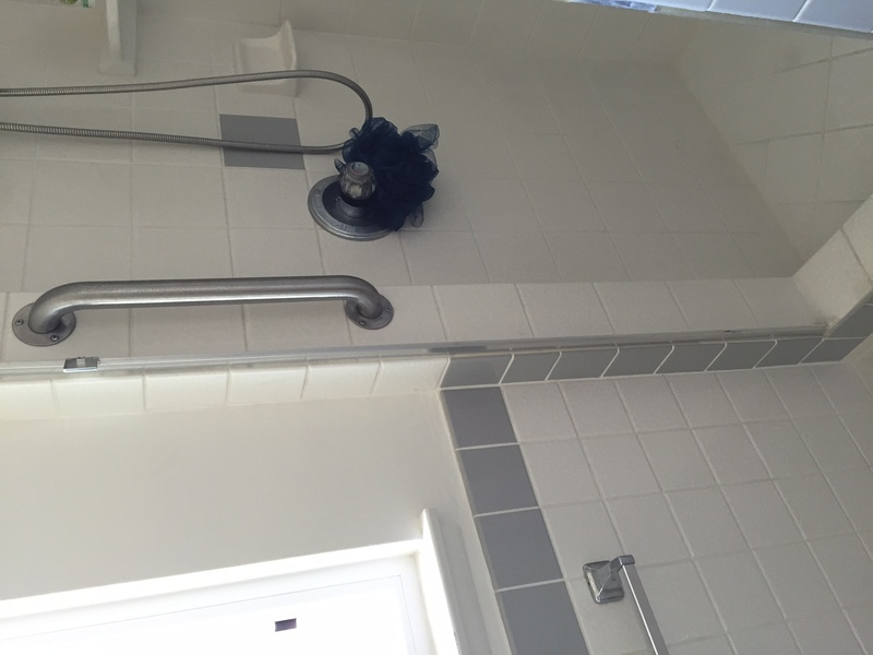 Help finding shower door hinge-img_0749.jpg