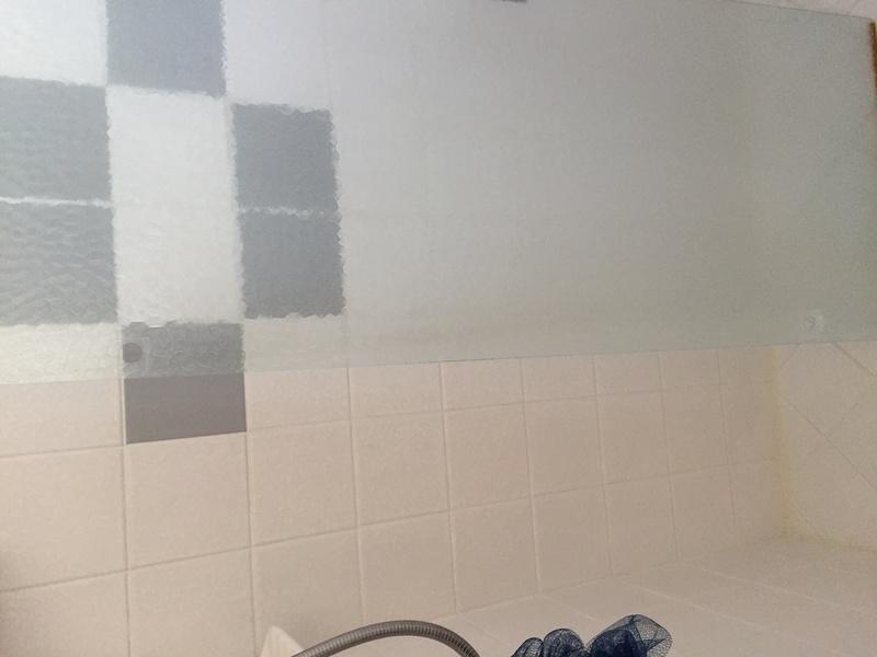 Help finding shower door hinge-img_0750.jpg