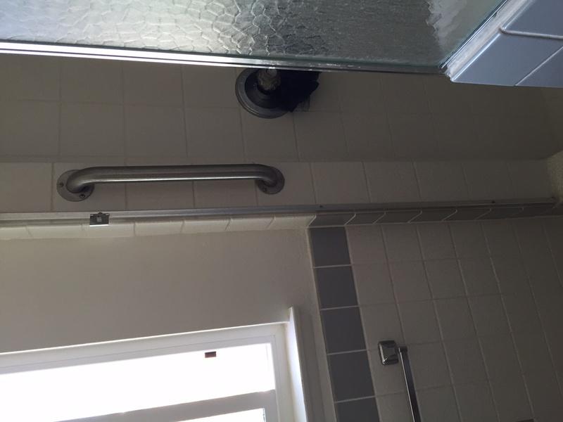 Help finding shower door hinge-img_0751.jpg