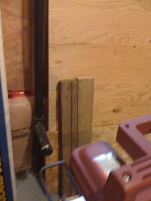 frame around verticle drain pipe - basement-img_0769.jpg