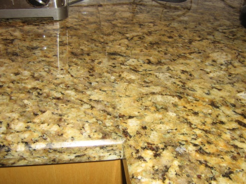 Is this a lousy granite installation?-img_0778.jpg