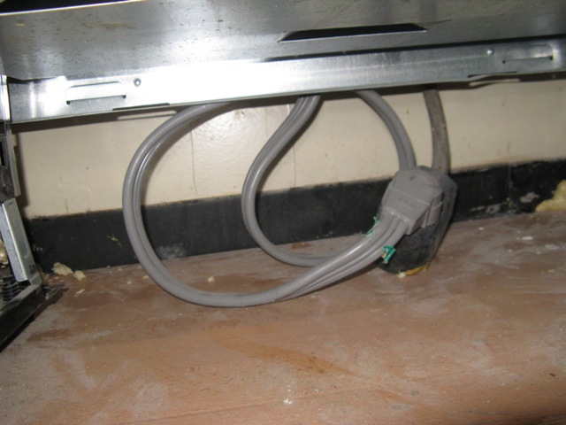 Recessing electric range outlet-img_0811.jpg