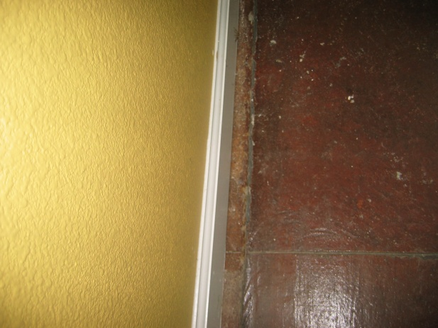 Slab Cracked Along Perimeter-img_0832.jpg