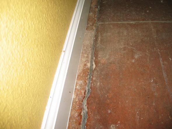 Slab Cracked Along Perimeter-img_0833.jpg