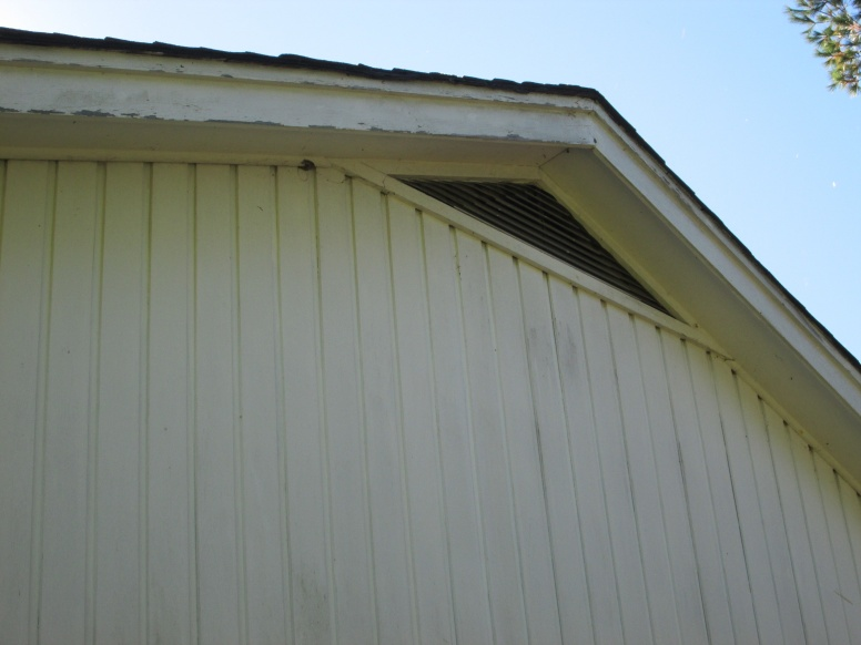 attic vent and insulation-img_0884.jpg