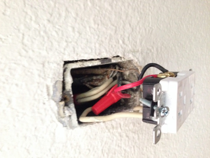 2 Hot Wires from Switch - Previously a Switched Outlet-img_0908-1-.jpg