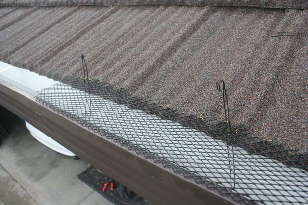 Wrong slant to gutters-img_0912s.jpg