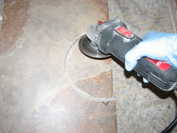 How To Cut Tile Around A Toilet Img 0920 Jpg
