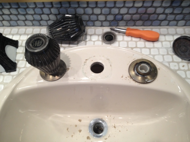 having trouble removing widespread faucet handle-img_0933.jpg