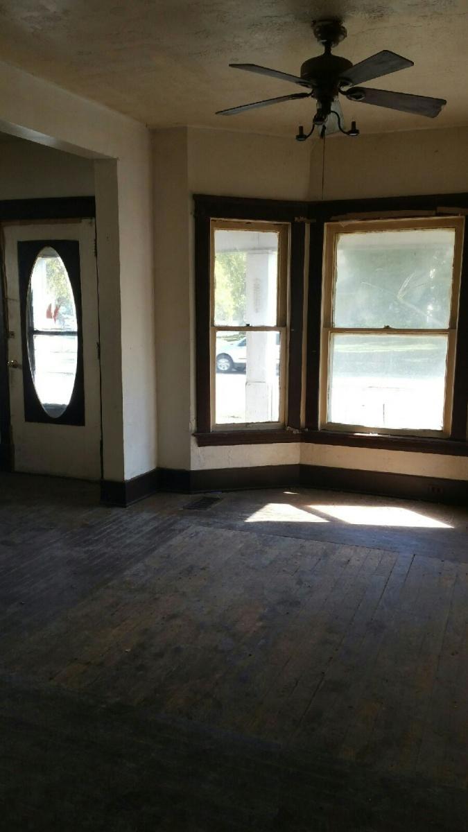 Img 6462 Jpg 1910 House With Bay Window 0950