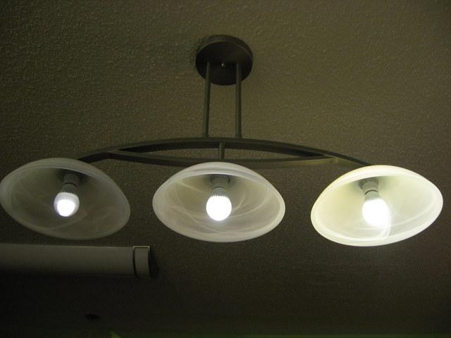 dimmer switch/led bulbs-img_1013.jpg