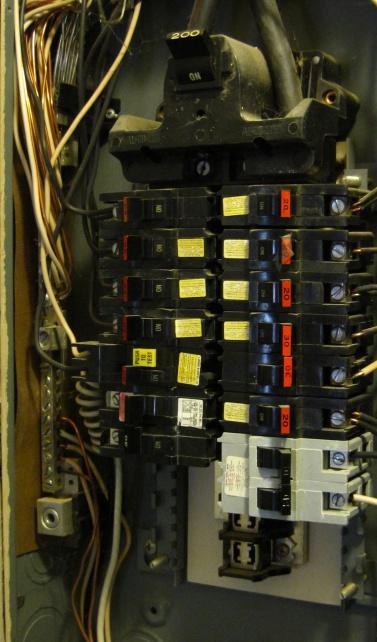 Service panel ground-img_1066a.jpg