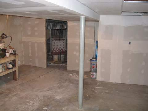 Basement shop-img_1127.jpg