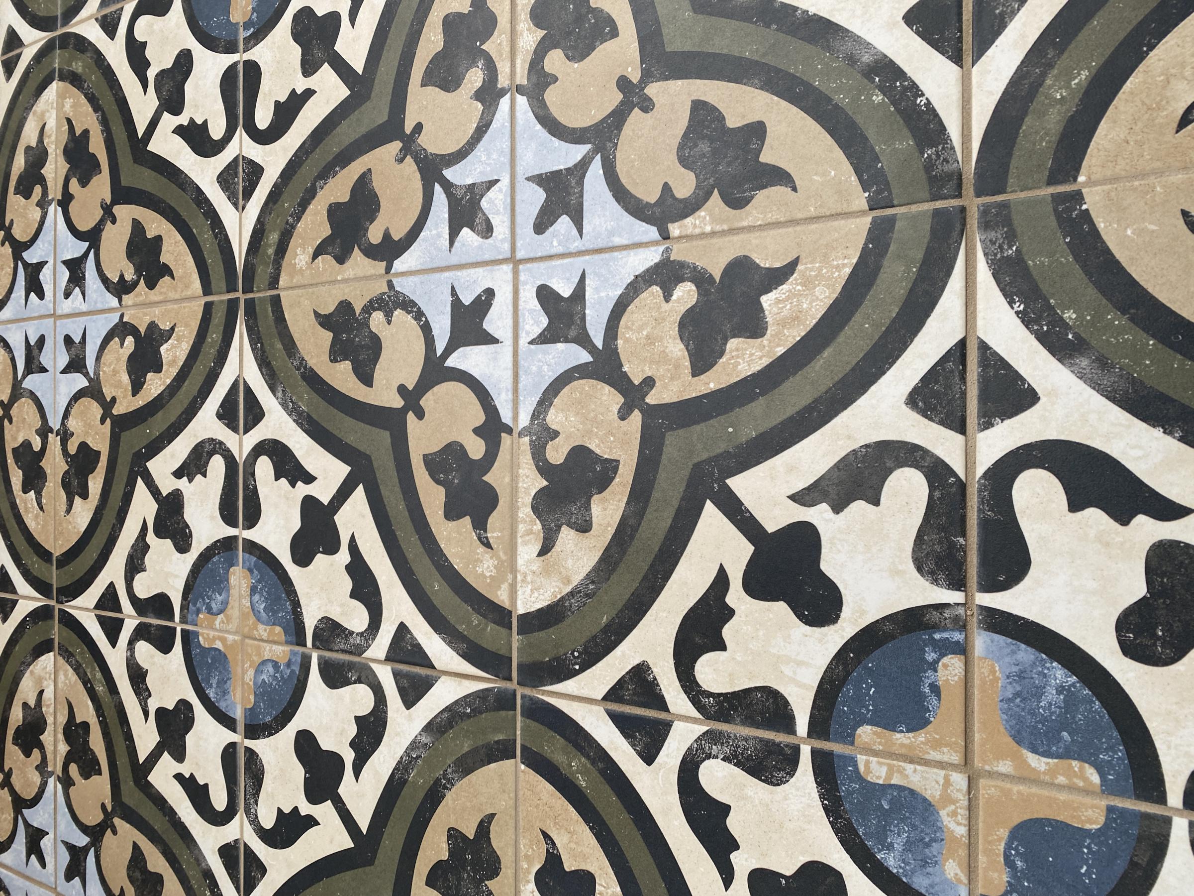 Awful Tile Work or Not?-img_1140.jpg