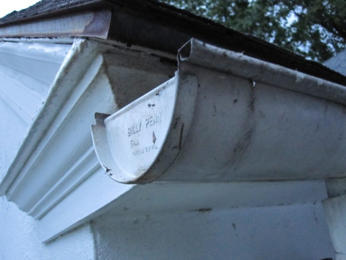 Gutters and Decorative Trim on Fascia-img_1182_resize.jpg