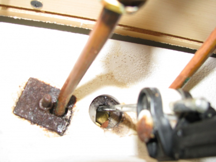 problem: remove bath faucet-img_1198.jpg