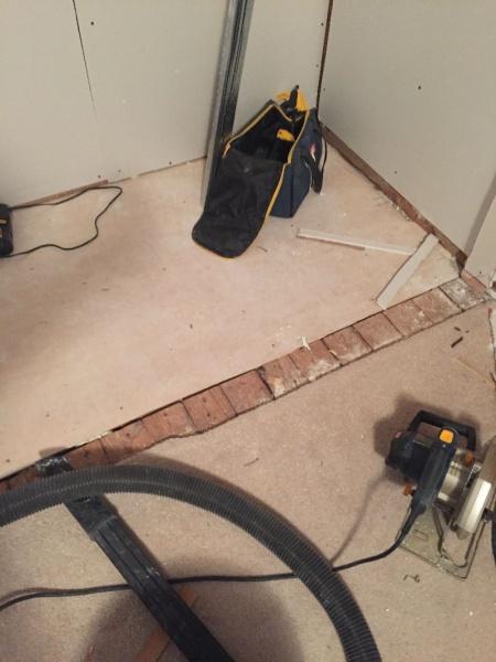 between flooring threshold-img_1210.jpg